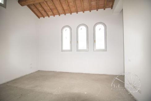 Dinamo Casa - RIF. QR465 - Sant'Ippolito. Porzione di colonica con 618 mq di giardino.